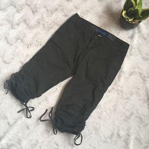 🔷4for$20   GARAGE   Black Capris